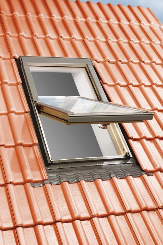 SkyFenster Roof Windows + FLASHING + AWNING BLIND
